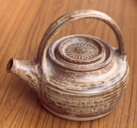 A teapot in oatmeal